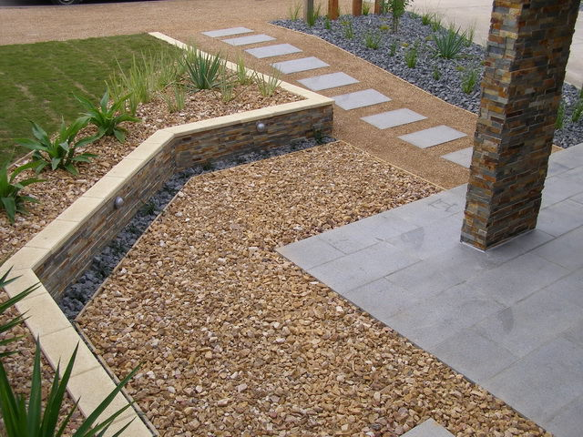 Geelong landscpaing company the landscaped view geelong for Landscaping rocks geelong